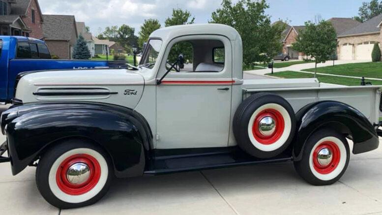 1947 Ford Pickup Truck Barn Find 1.jpg