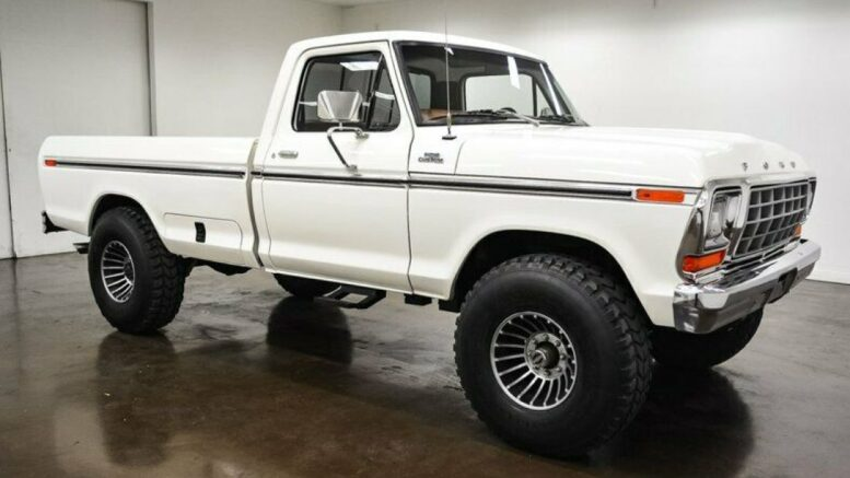 1978-ford-f250-767-miles-white-pickup-truck-400ci-v8-4-speed-manual-1.jpg